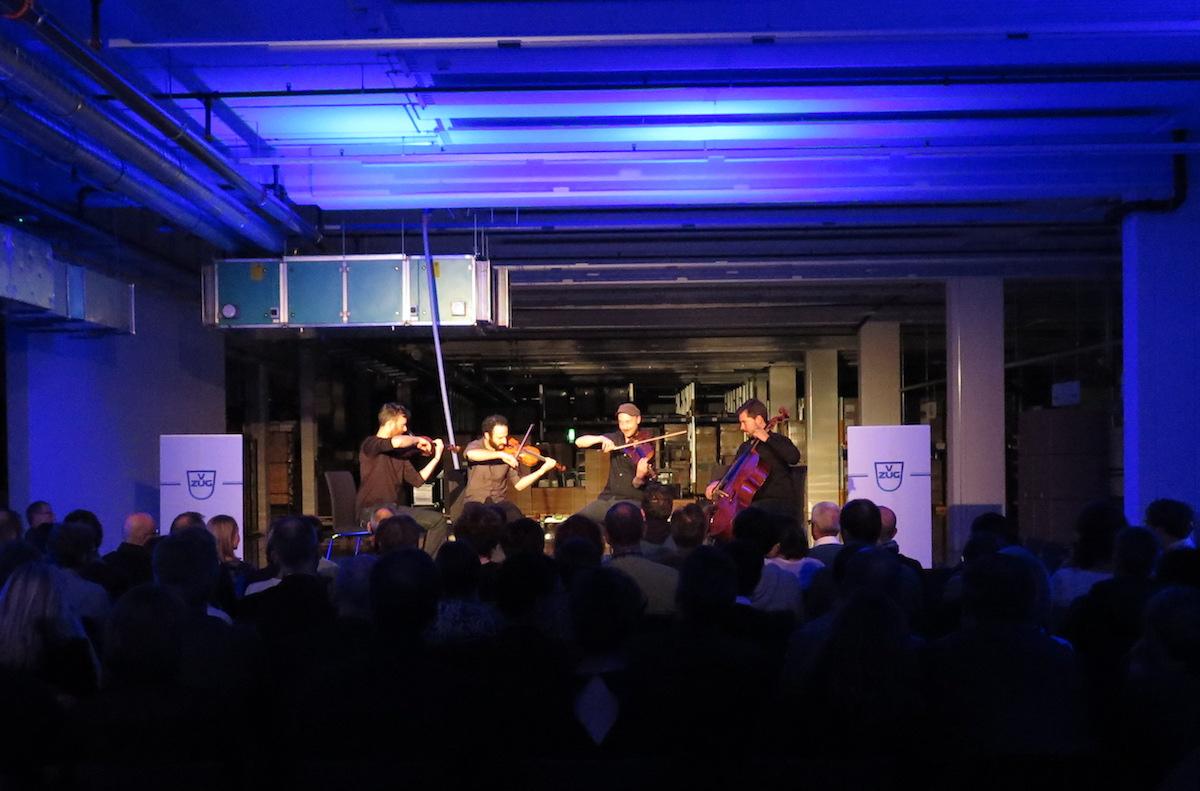 Kaleidoscope String Quartet in der neuen Produktionshalle der V-Zug