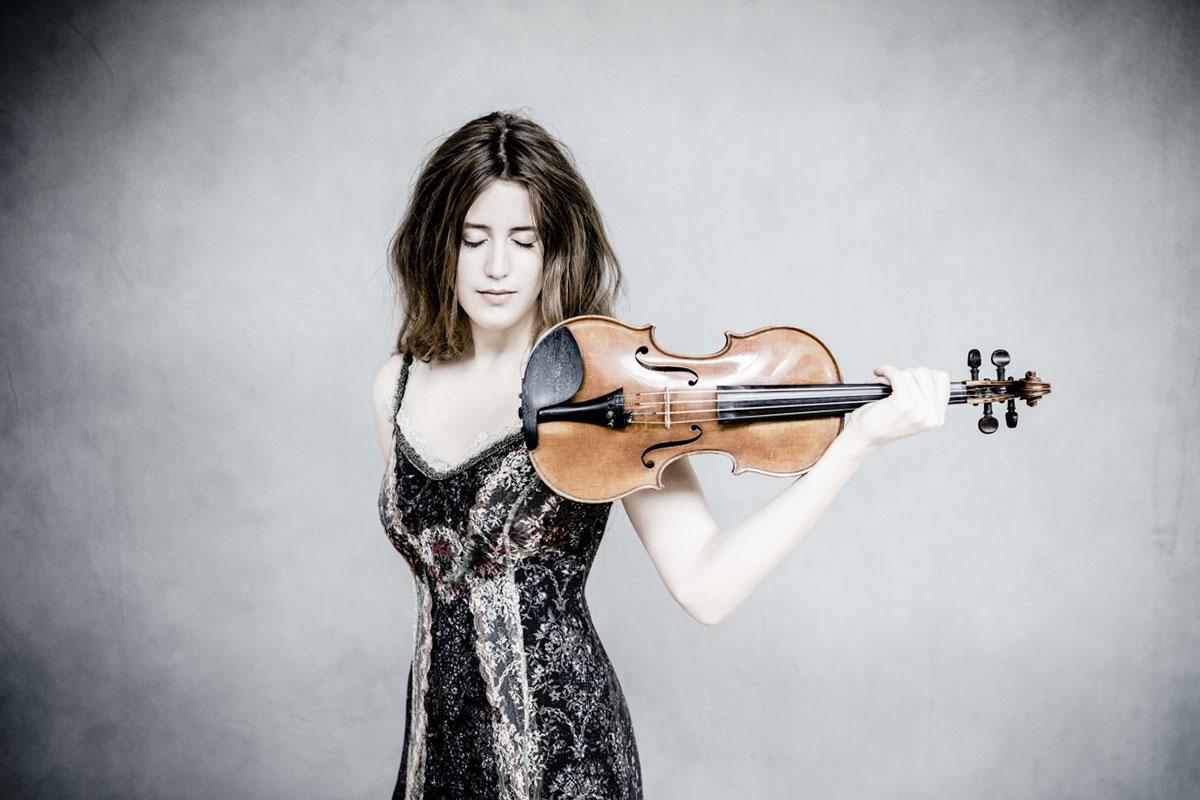 Die norwegische Geigerin Vilde Frang wird mit den Festival Strings in Hamburg auftreten. (Bild: zvg/Parlophone Records)