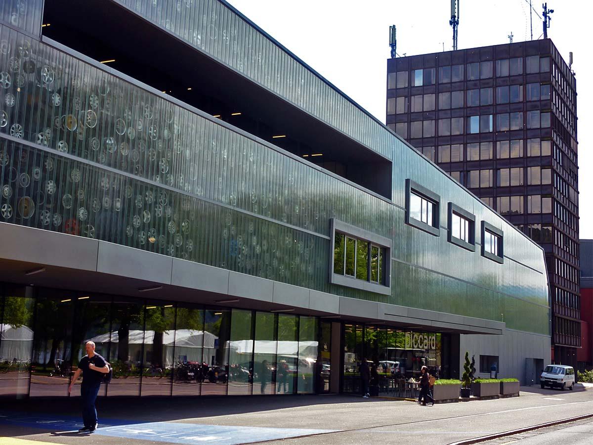 Der Büroturm des Verkehrshauses wird saniert und zur Jugi gemacht.