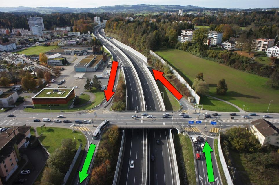 Die beiden rot gekennzeichneten Autobahnanschlüsse sind derzeit gesperrt. Der Nationalrat will diese nun wieder öffnen.