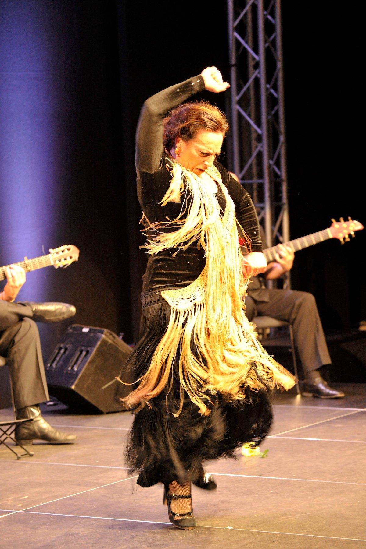 Eine Wucht: Maria Serrano reisst am Schluss ihres Auftritts das Publikum von den Stühlen.