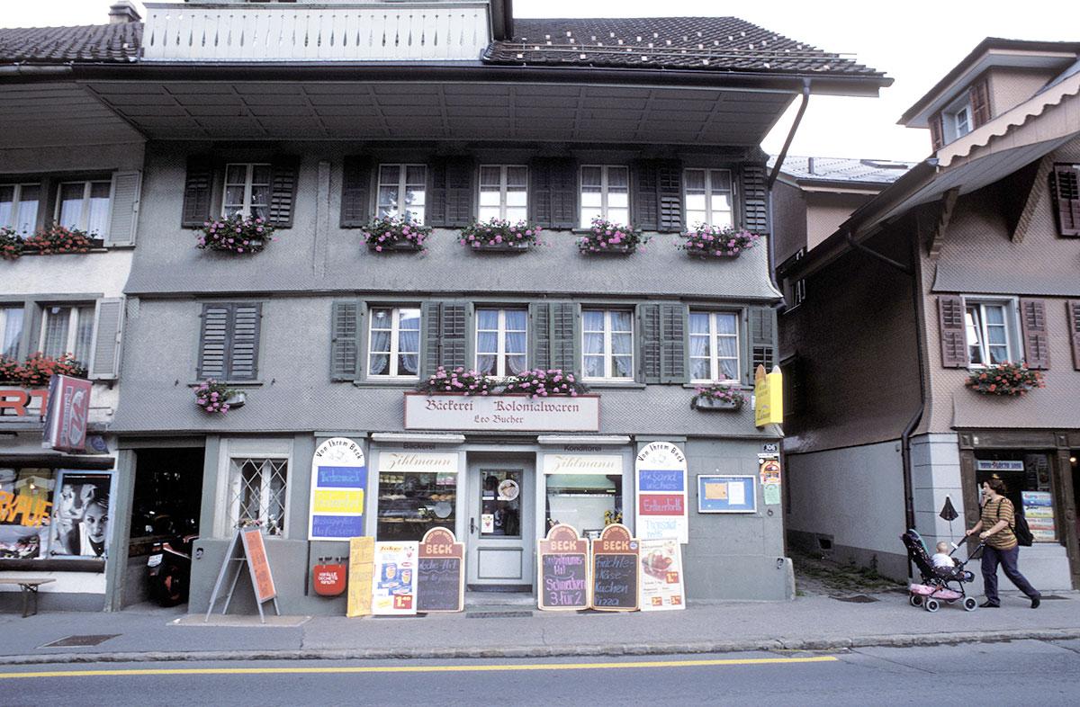 Idyllisches Dorfleben: eine Bäckerei an der Dorfstrasse in Escholzmatt.