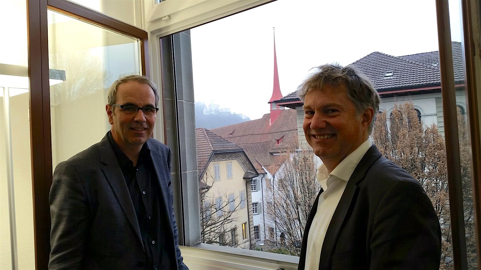 Beat Züsli (links) und Cyrill Wiget im Büro des Luzerner Stadtpräsidenten.