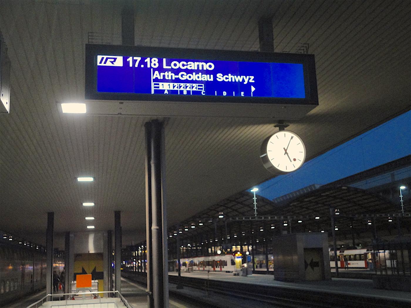 Viele Direktzüge ins Tessin gibt es seit diesem Sonntag nicht mehr und auch der wirtschaftliche Nutzen der Neat für Luzern wird in Frage gestellt.
