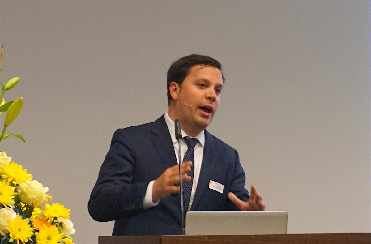 Thomas Rühl, Leiter Regionenanalyse der Credit Suisse, relativiert die wirtschaftliche Bedeutung der Neat für die Zentralschweiz.
