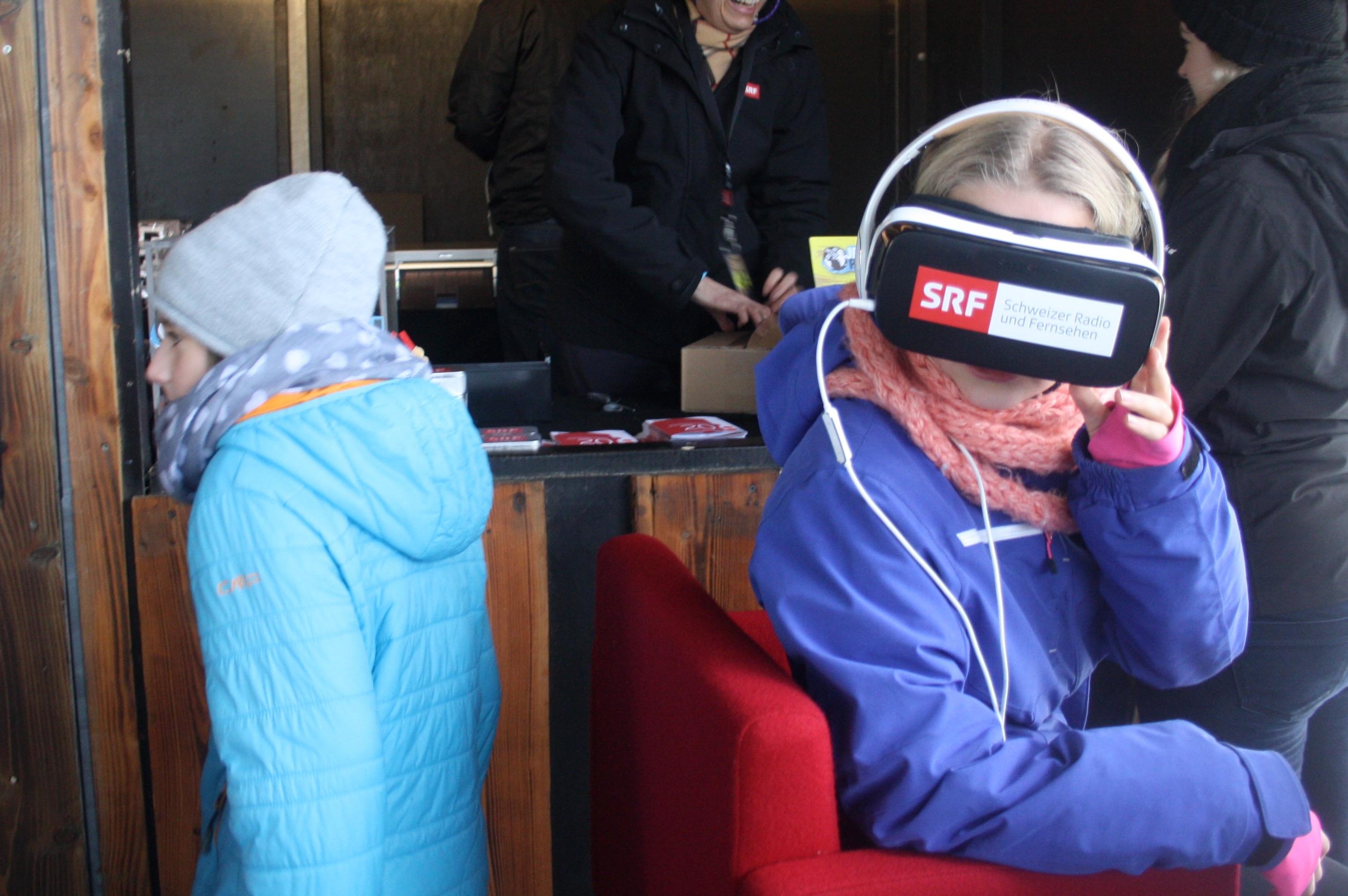 Mit der 3-D-360°-Brille kann man sich in ein jordanisches Flüchtlingscamp beamen.