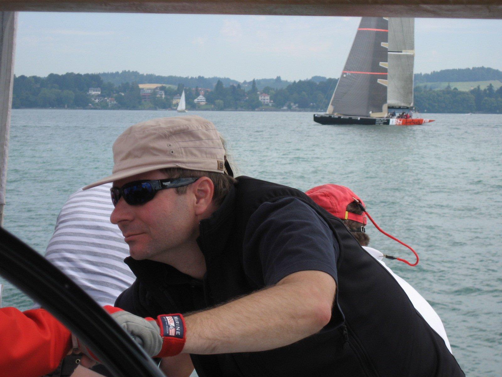 Marcel Schwerzmann beim Segeln 2009 auf dem Bodensee.