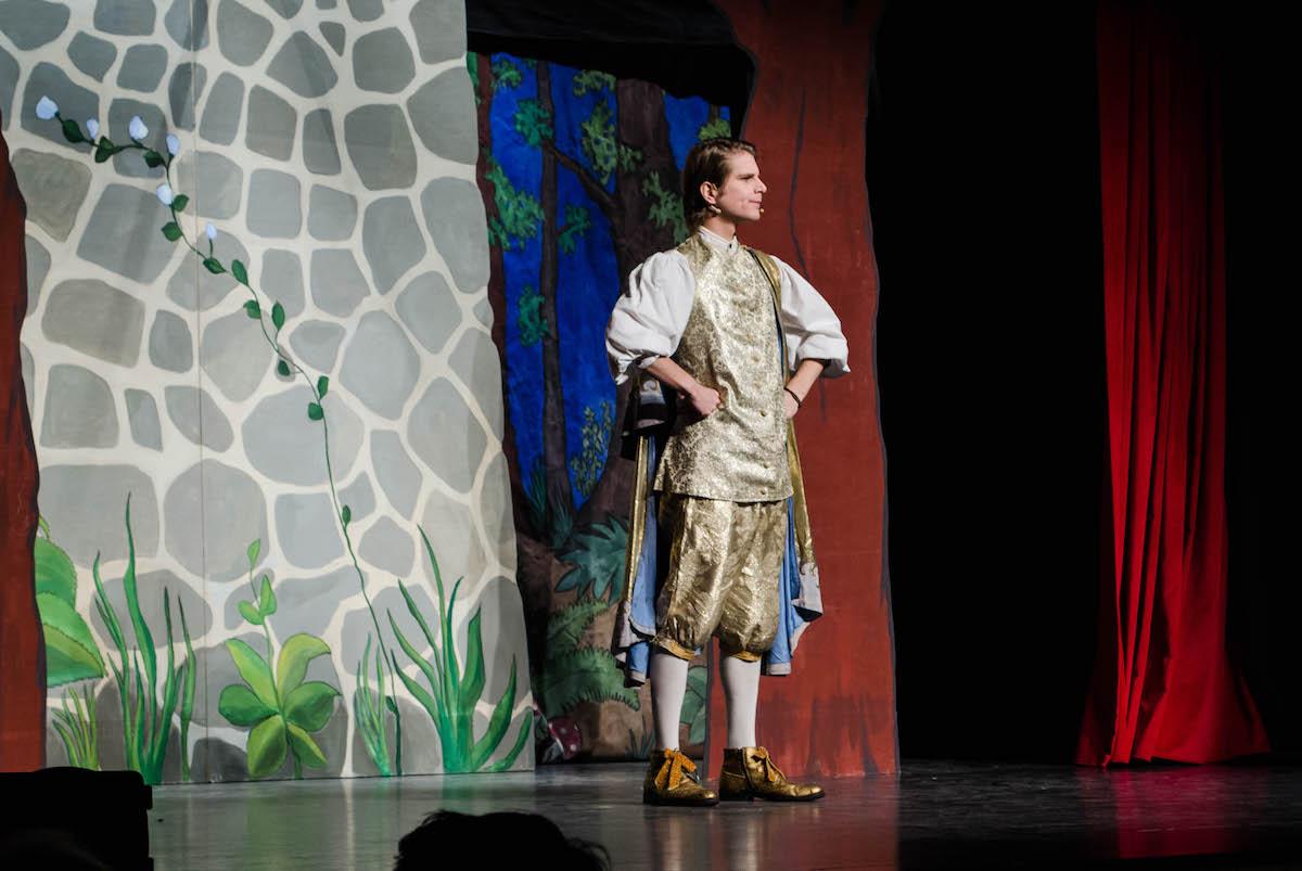 Der Königssohn auf der Bühne.