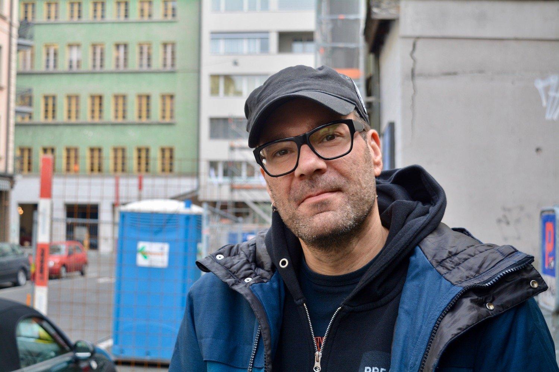 Der Horwer Fotograf Severin Ettlin beim Treffen mit zentralplus.