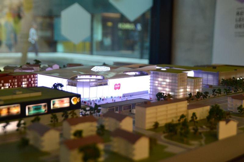 Ein faszinierendes Gebäude im Kleinformat: Das Modell der Mall of Switzerland im Business-Center D4 in Root.