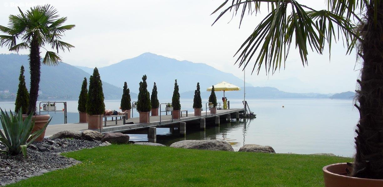 Auch das Strandbad in Zug ist seit Samstag wieder geöffnet. Es gilt laut Heimatschutz als eine der schönsten Badis der Schweiz.