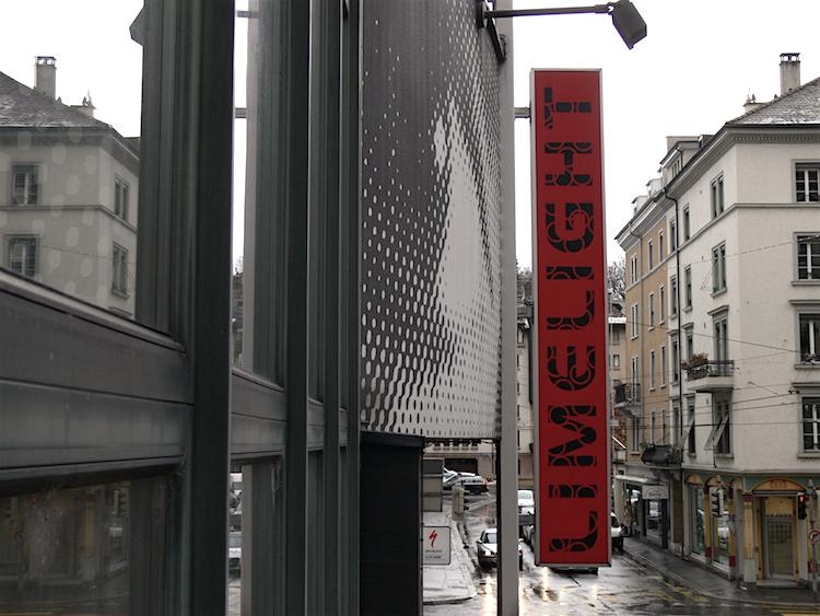 Letzter Zeuge cineastischer Leckerbissen: Der Schriftzug am ex-Kino-Gebäude an der Stadthofstrasse 5 in Luzern.