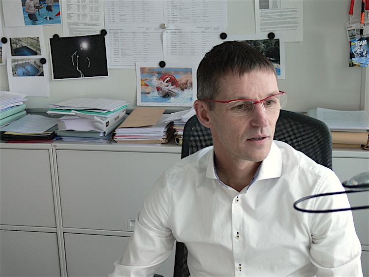 Stefan Schlatter in seinem Büro.