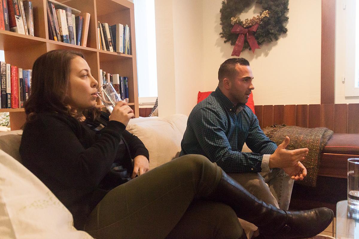 Das Ehepaar Jess and Drew wohnt seit zwei Jahren in Udligenswil, beide lebten zuvor in New York. Drew selbst hat durch seinen Vater den Schweizer Pass.