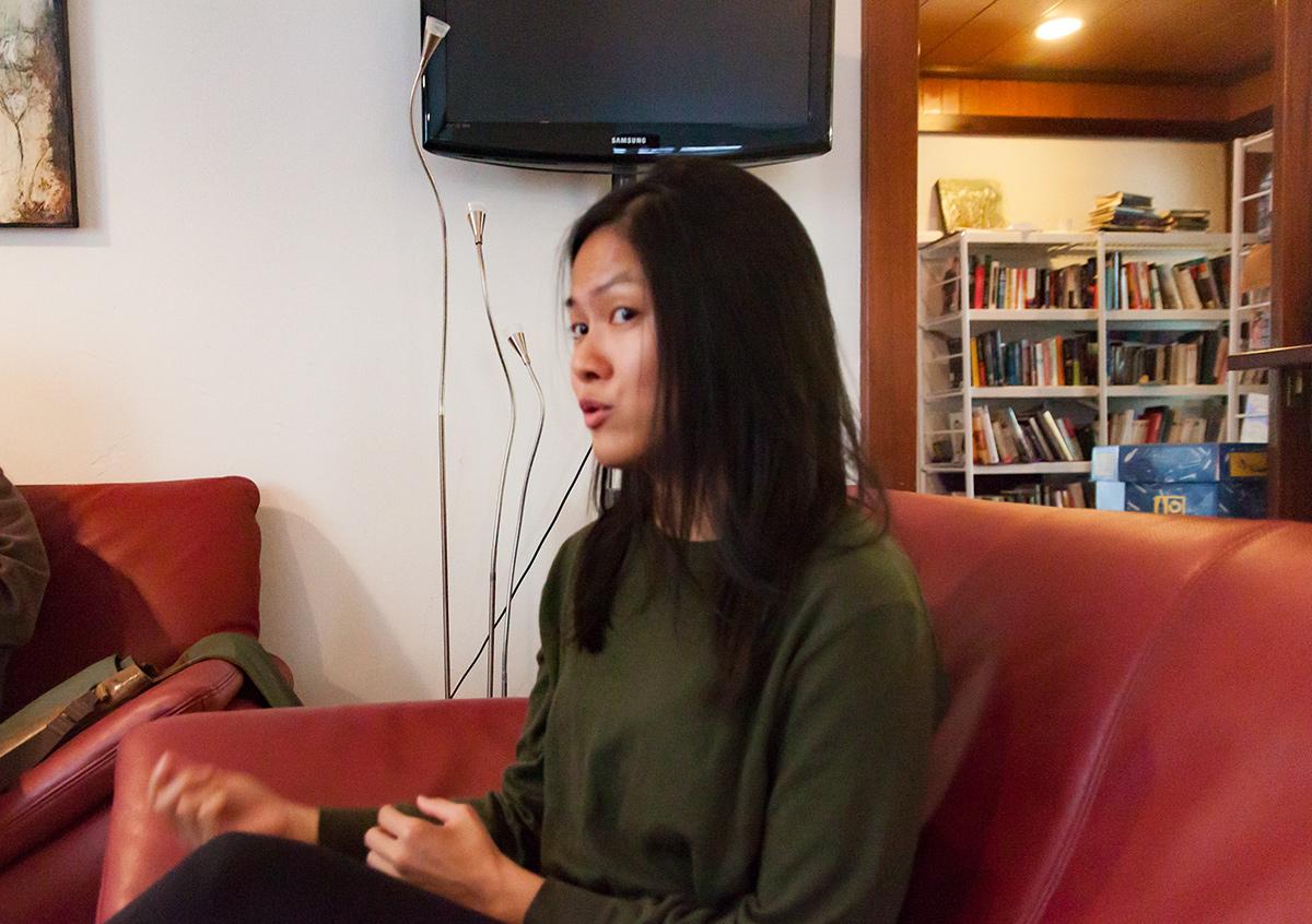 Nancy Huang, geboren im US-Bundesstat Indiana im Mittleren Westen, lebte später in New York und L.A. Sie arbeitet seit 2012 in Zürich in der Marketing-Branche und ist verheiratet mit einem Schweizer.