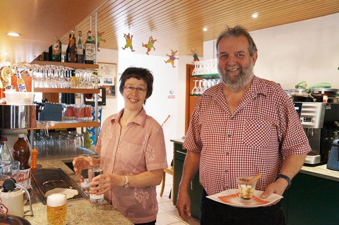 Das Wirtepaar Ursula und Markus Zeller.