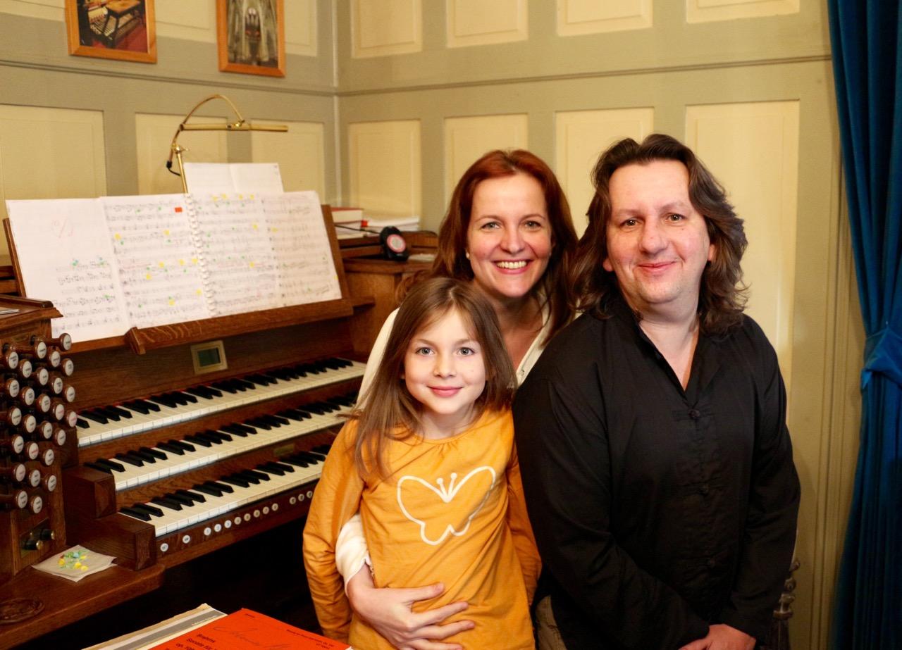 Das Ehepaar Eva und Martin Kovarik mit ihrer Tochter Chiara.