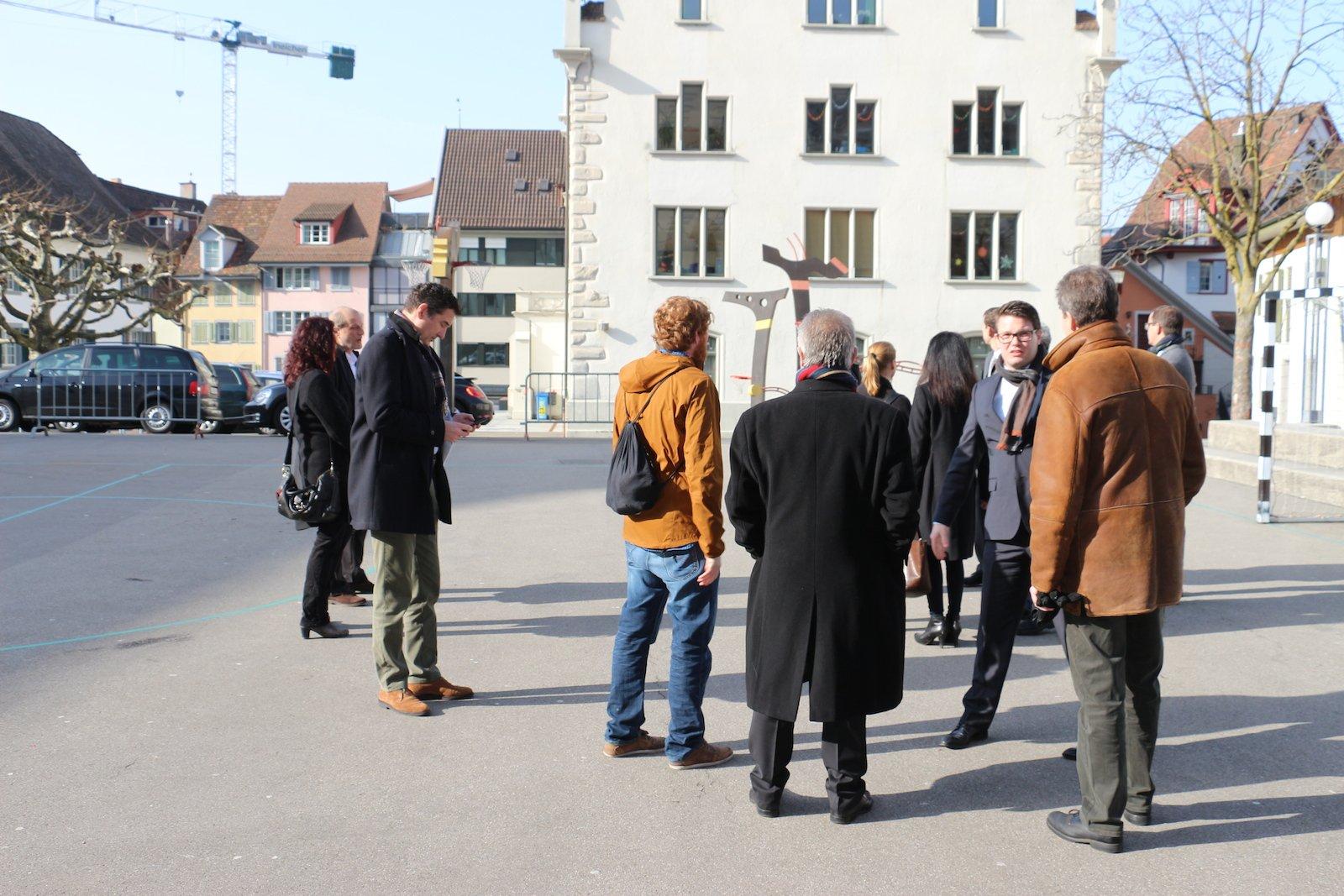 Die Orientierung im Burgbachsaal wurde vor allem von Politikerinnen und Politikern besucht.