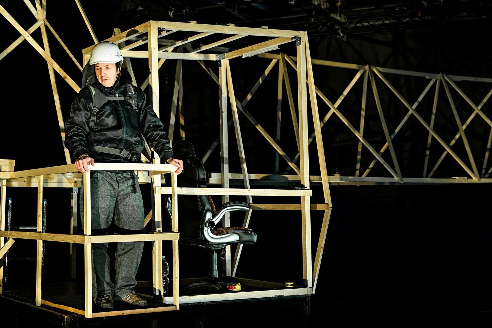 70 Meter über der Baustelle arbeitet Markus alleine. (Bild: zvg)