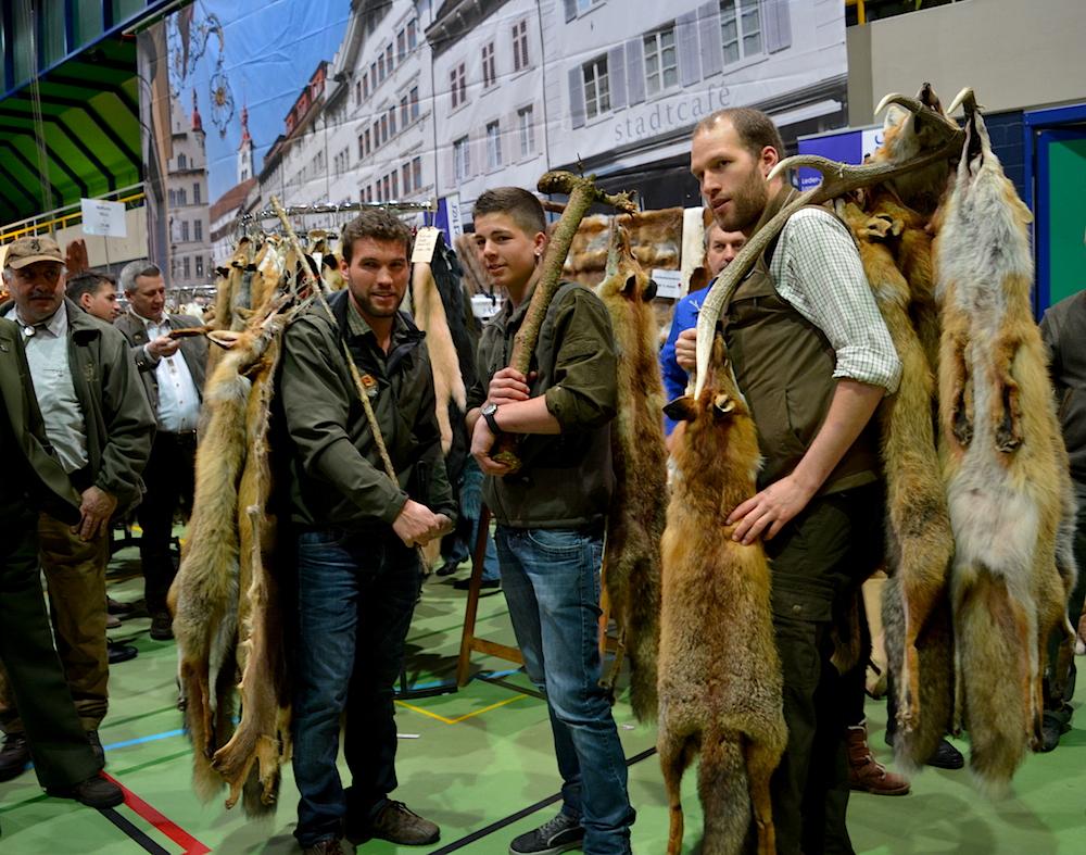Gerne stehen die Jäger für Bilder Modell. (Bild: jav)