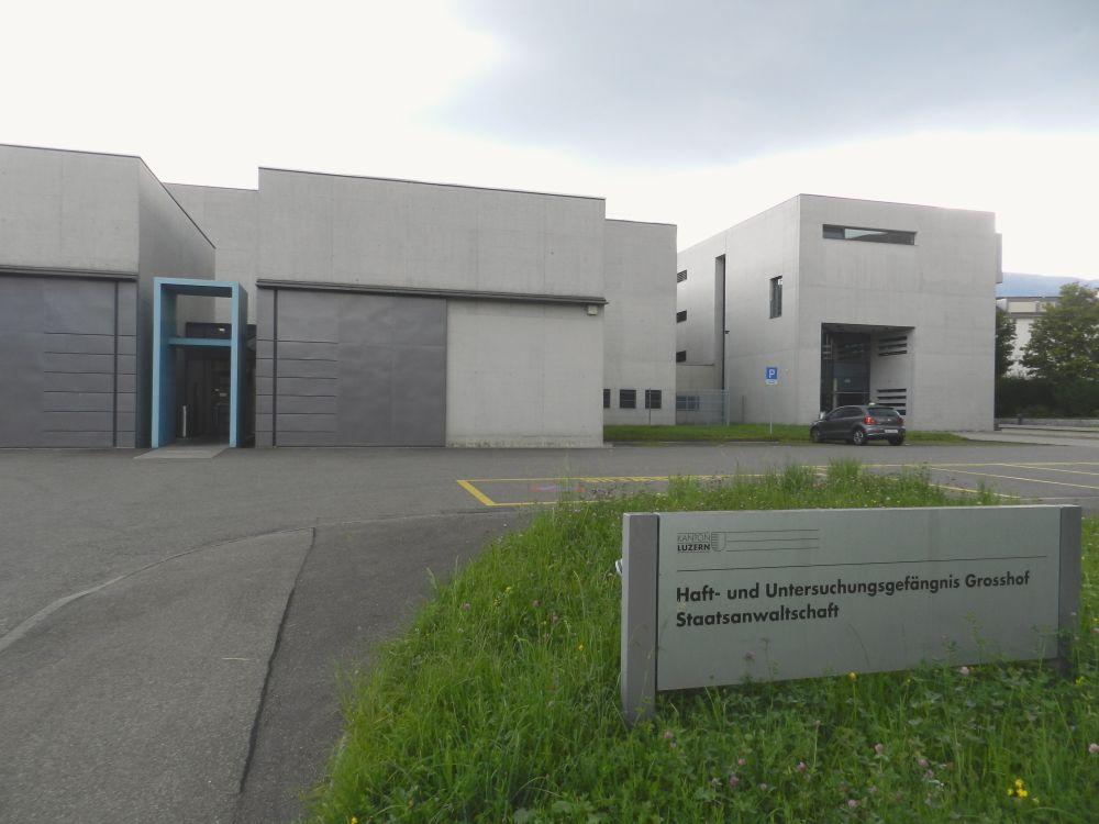 Das Haft- und Untersuchungsgefängnis Grosshof in Kriens, einer der beiden Luzerner Knäste.