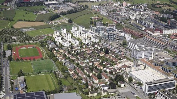 So sieht die Gartenstadt jetzt noch aus. Der Bebauungsplan soll das ändern (Bild: Flying Camera Baar).