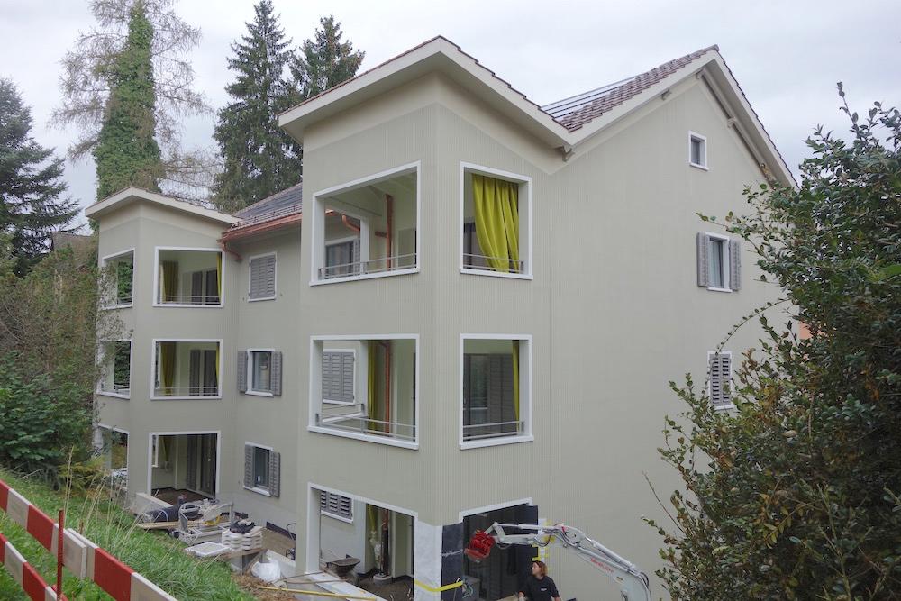 Stilistisch zurückdatiert: «neue» Heimatstilbauten der abl im Maihof. (Foto: Gerold Kunz)