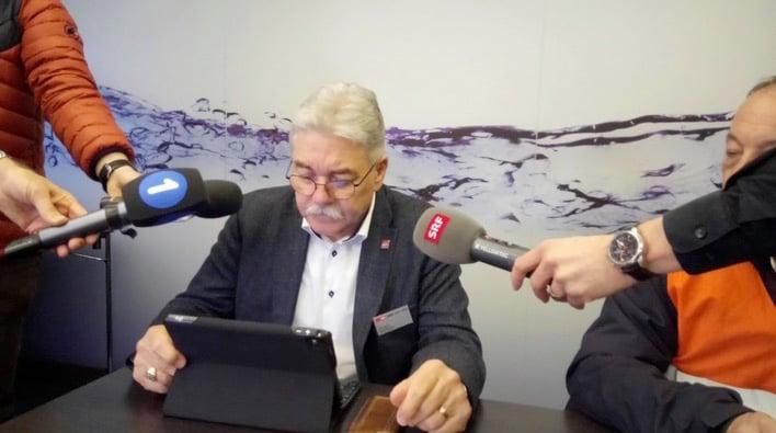 SBB-Verkehrschef Toni Häne stand am Donnerstagabend auch den Medienschaffenden in Luzern Red und Antwort.