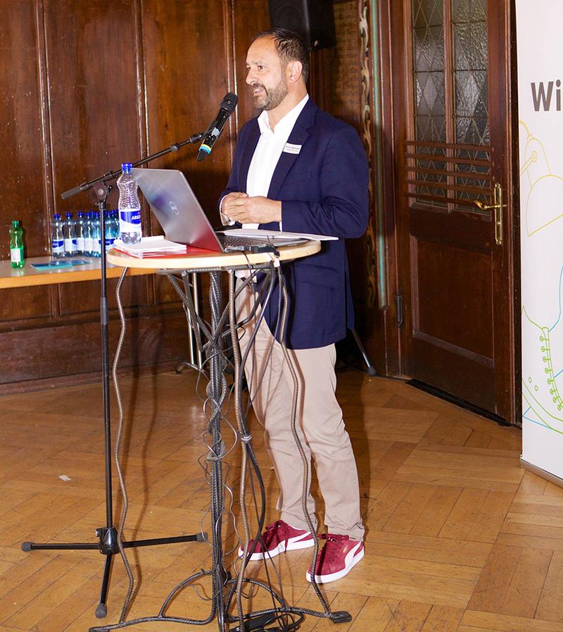 Bruno Affentranger präsentierte am «City Talk» 2017 die dritte Ausgabe des Magazins «Stadtsicht».