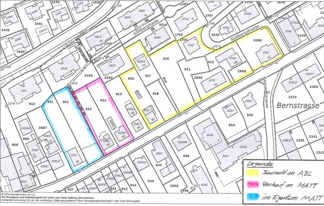 Auf diesem Areal an der Bernstrasse entstehen die 135 Wohnungen. Das gelb umrahmte Gebiet wird von der abl im Baurecht übernommen. Die blau und violett markierten Grundstücke werden von der Matt Baugenossenschaft gebaut.