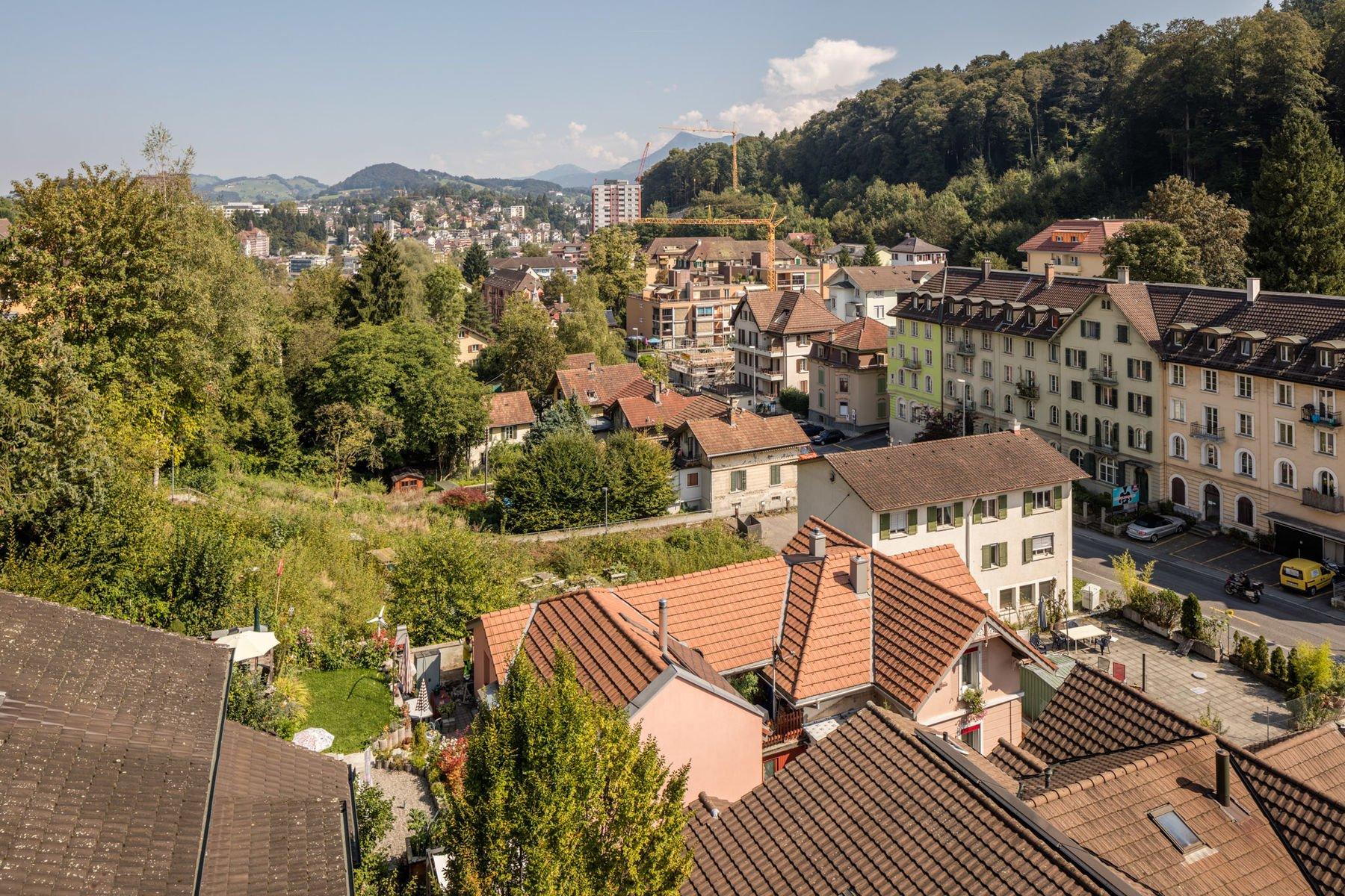 Die bestehende Siedlung an der oberen Bernstrasse im Überblick.