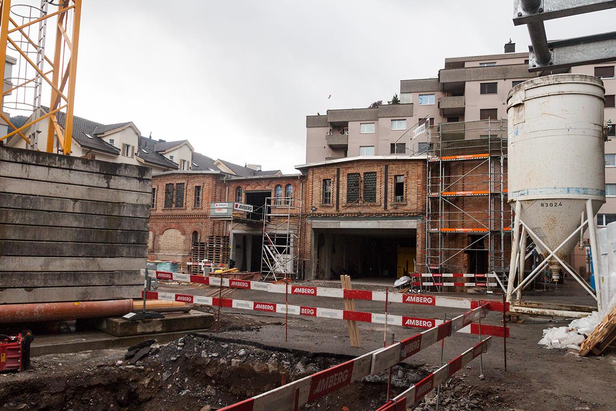 Der Blick vom ehemaligen Werkhof auf die zukünftigen Atelier- und Ausstellungsräume des Schappe-Areals.