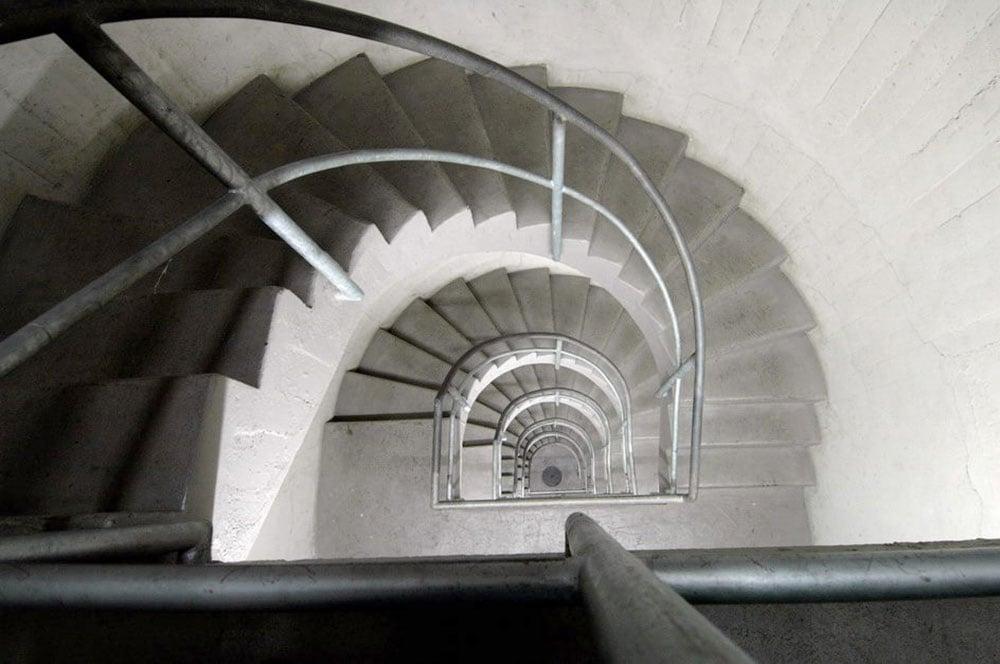 Treppenhaus in den Untergrund im Sonnenberg.