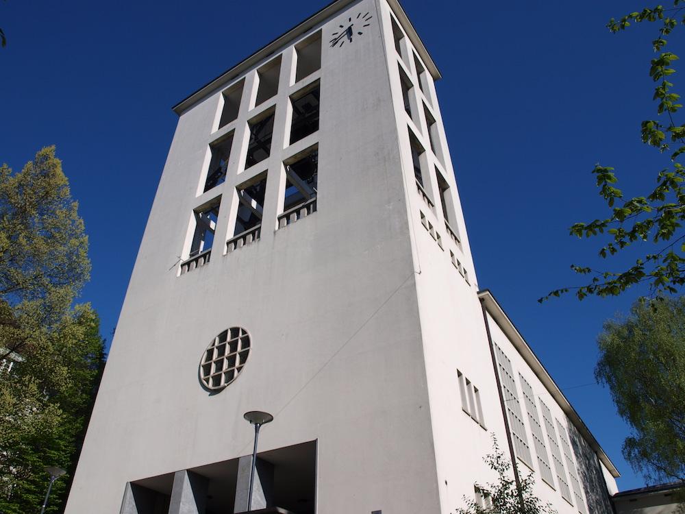 Bietet jeden Freitag zwischen 17 bis 19 Uhr Handauflegen und Gespräch – die Lukaskirche beim «Vögeligärtli».