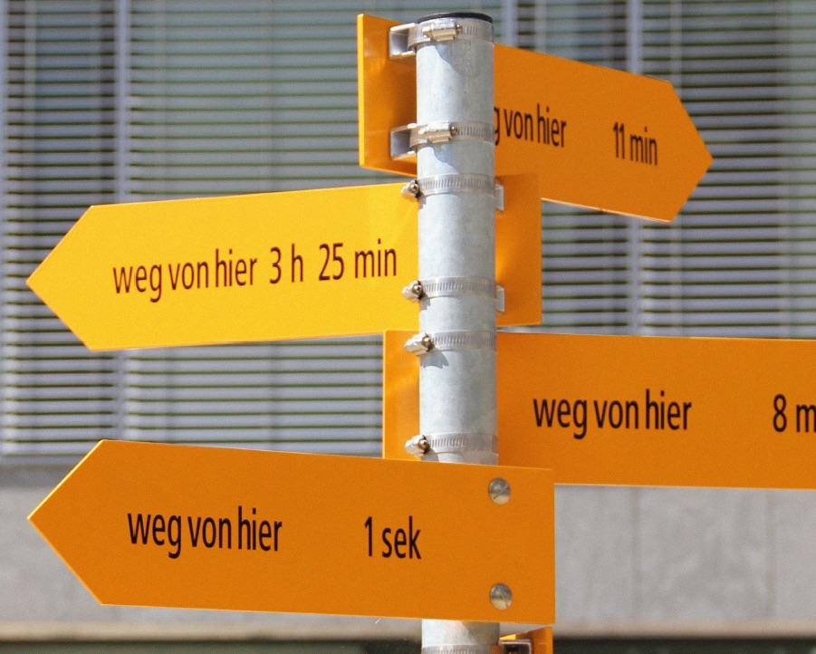 Remo Hegglins Kunstprojekt «Weg von hier» steht in Baar. Und passt zu seinen aktuellen Plänen.