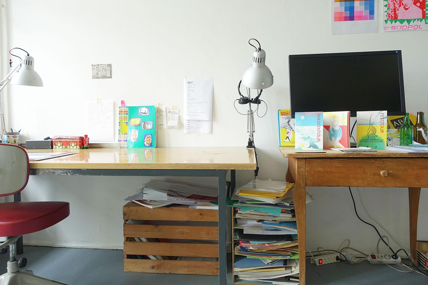 Ein Atelier der eher aufgeräumten Sorte.