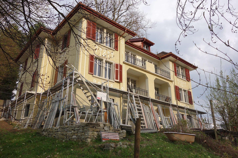 Das Gelbe Haus kurz nach der Sanierung.