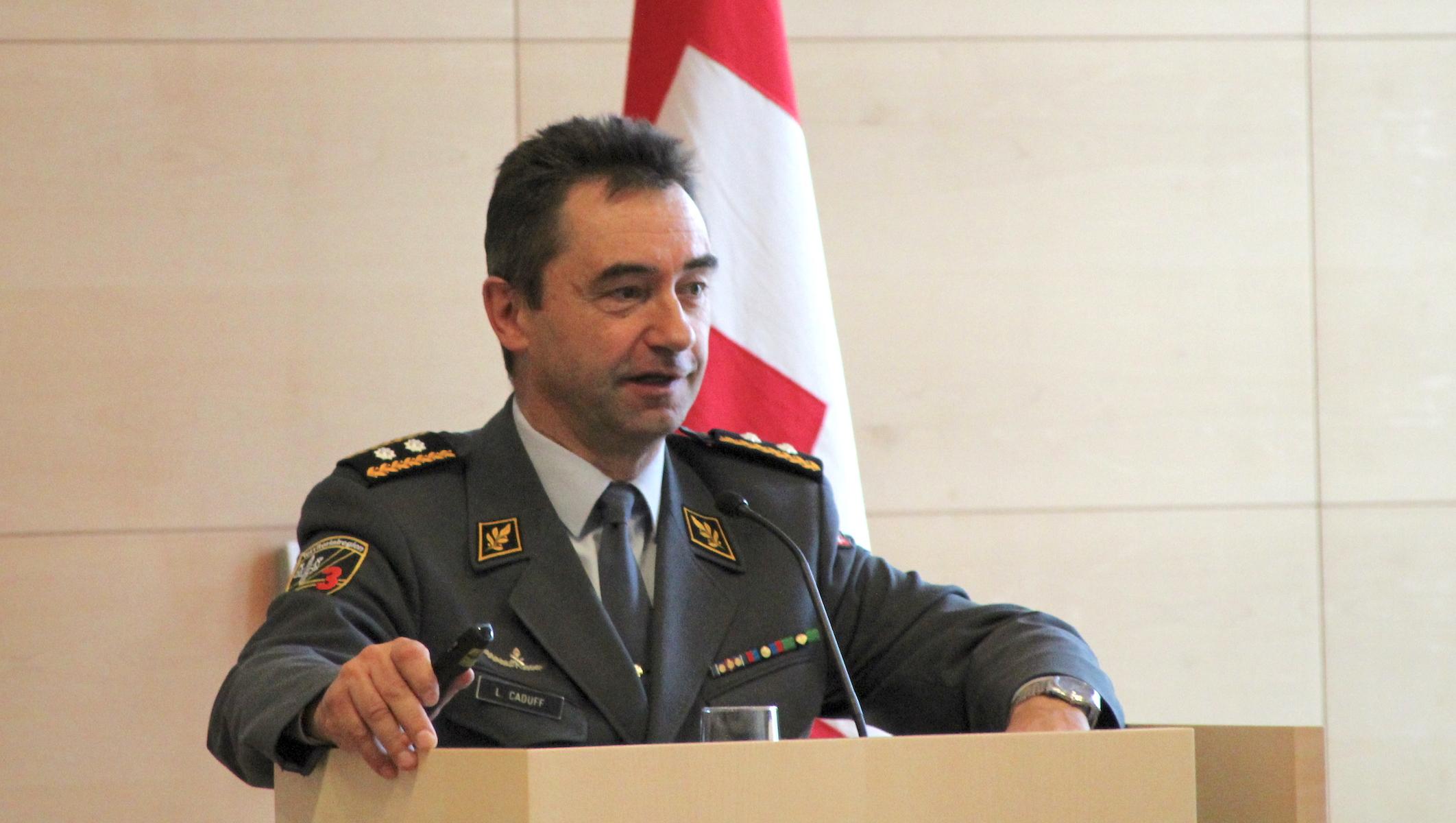Divisonär Lucas Caduff, Kommandant der Territorialregion 3.