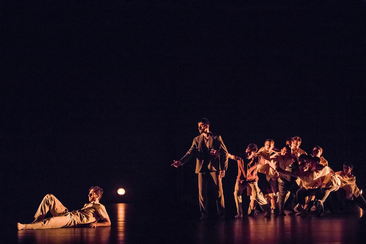 Das Tanz-Ensemble in Bryan Arias «Viewpoints».