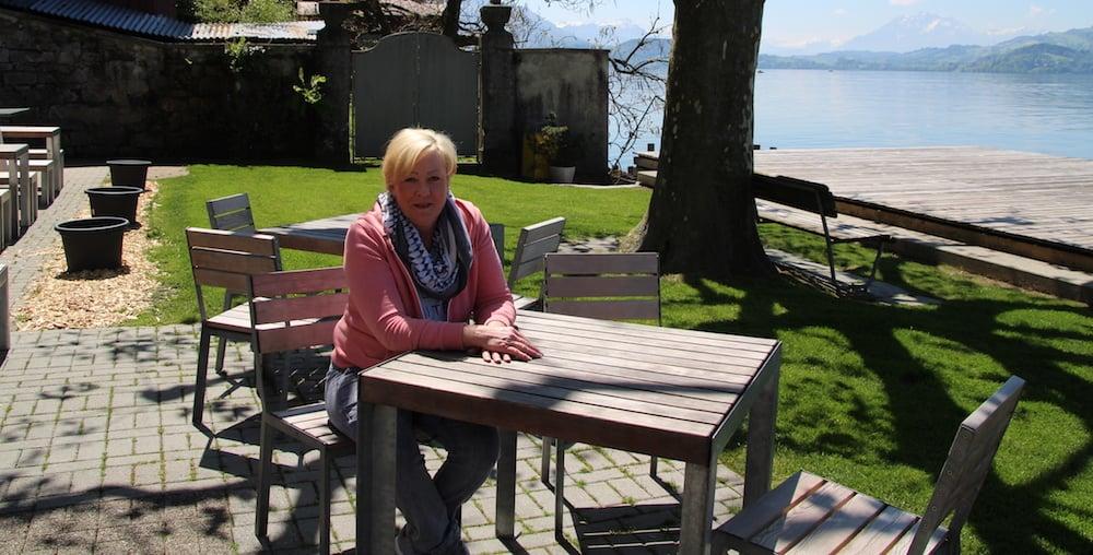 Barbara Gilardoni, die Betreiberin des Bistros bei der Badi Seeliken, freut sich auf die neue Saison.