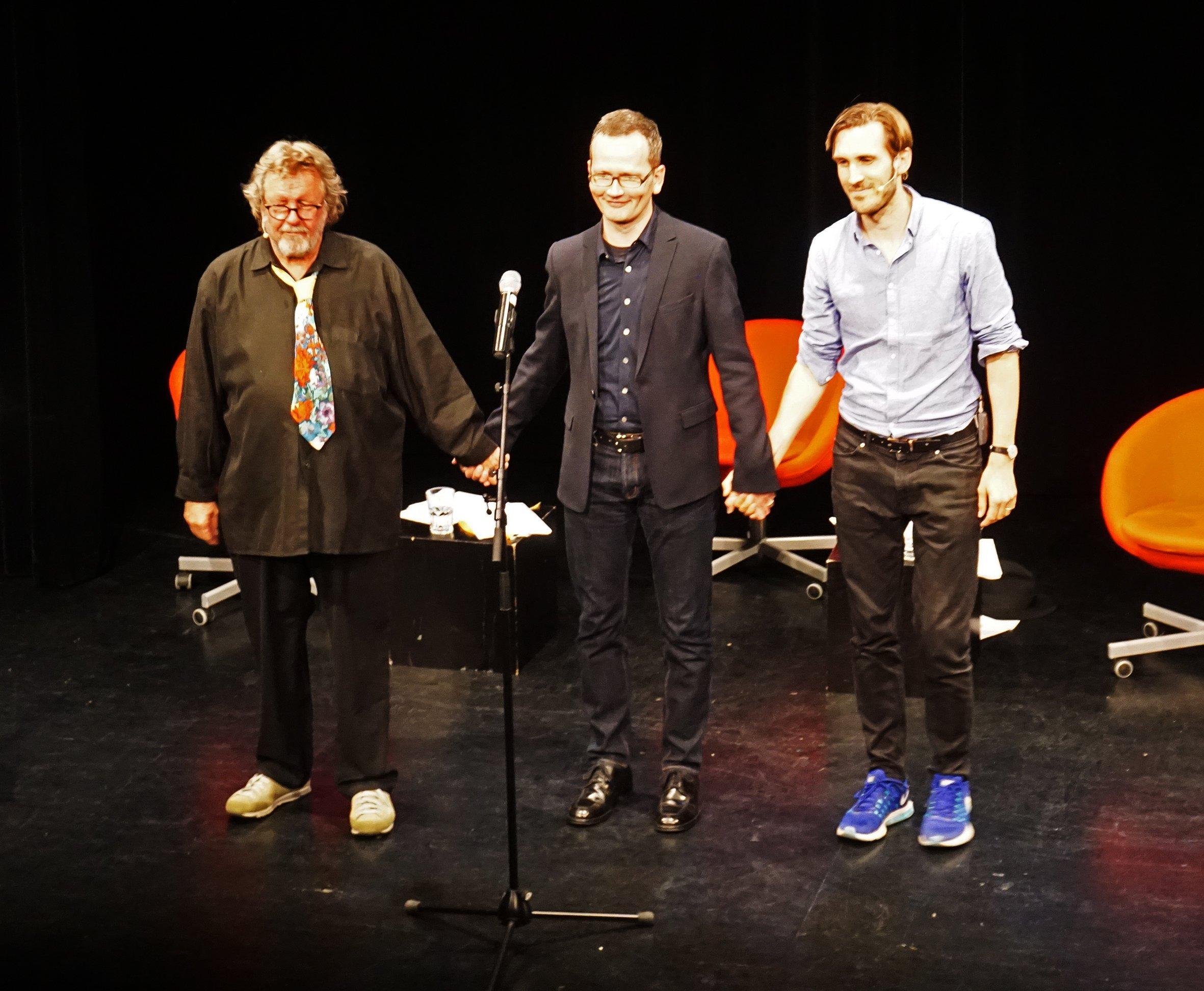 Die drei Philosophen verabschiedeten sich von einem begeisterten Publikum.