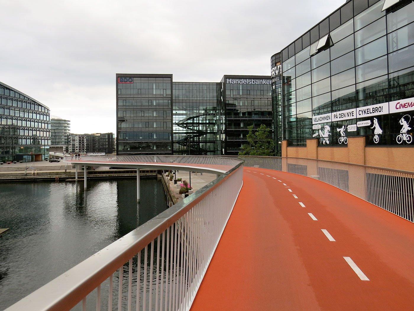 Andere sind schon weiter: Velobrücke in Kopenhagen – in Luzern erst eine vage Idee.