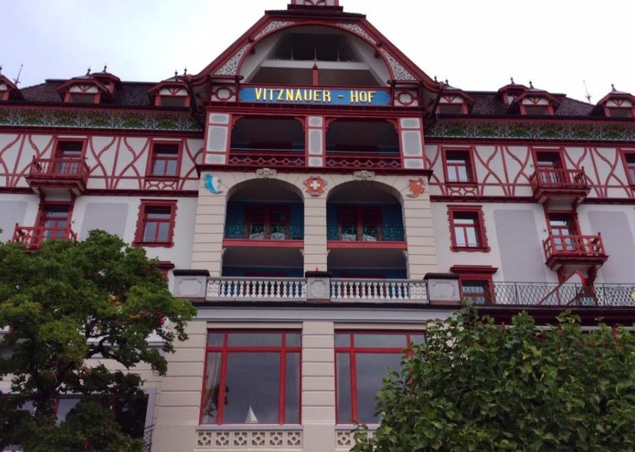 Das Hotel Vitznauerhof am Vierwaldstättersee.