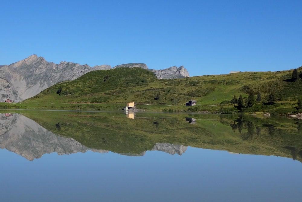 Der spiegelnde Trübsee. (Bild: Franziska Landolt)