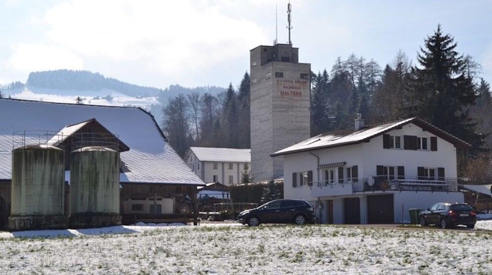 In diesem Haus zwischen Scheune und Turm spielte sich das Drama von Malters ab.
