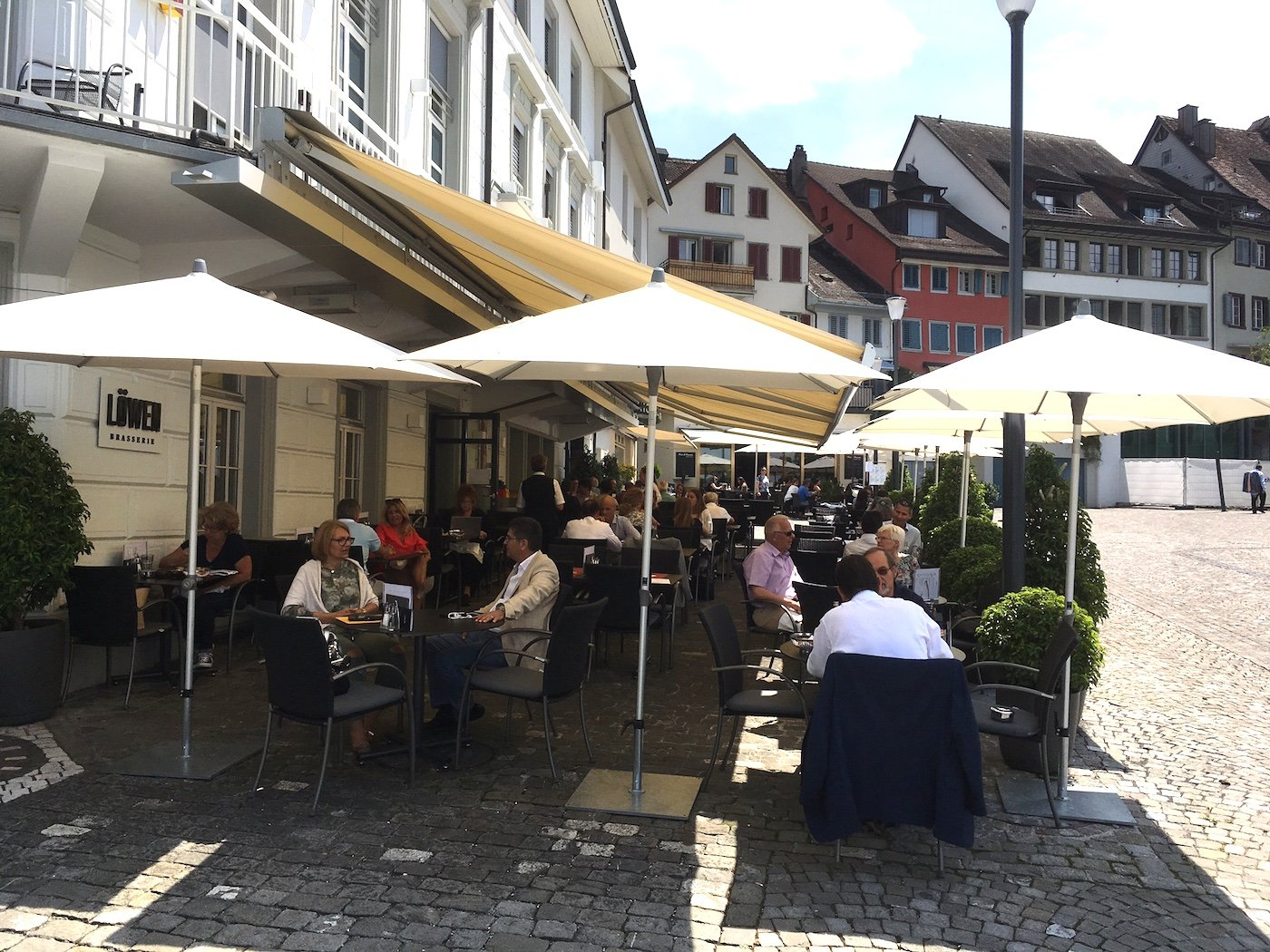 Nobel: Die Terrasse des «Löwen» am Landsgemeindeplatz.