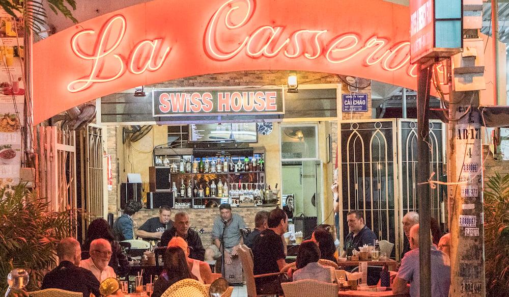 Beliebter Treffpunkt in Nha Trang: Hugo Fischlis Swisshouse «La Casserole».