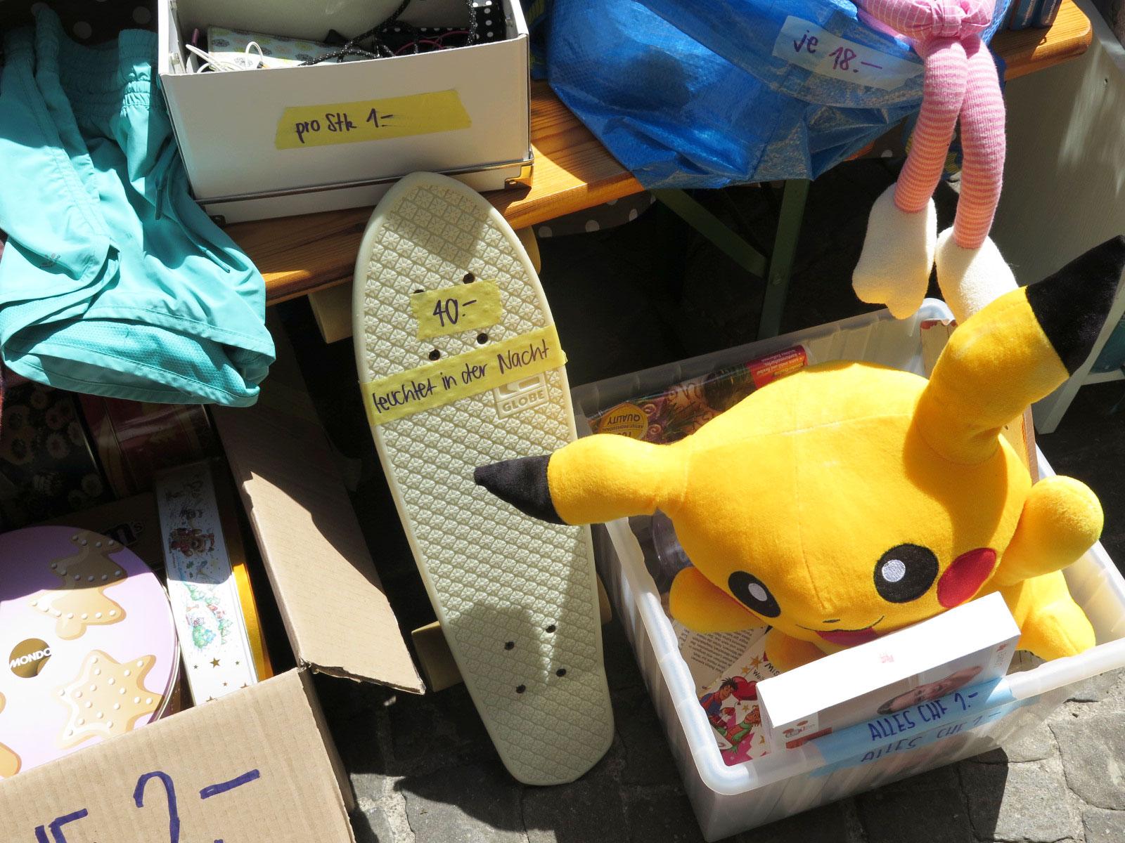 Pikachu oder leuchtendes Rollbrett?