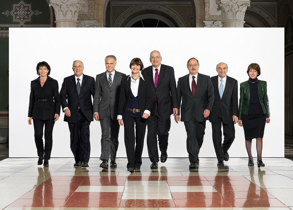 Das Bundesratsfoto von 2007, rechts im Bild Annemarie Huber-Hotz.