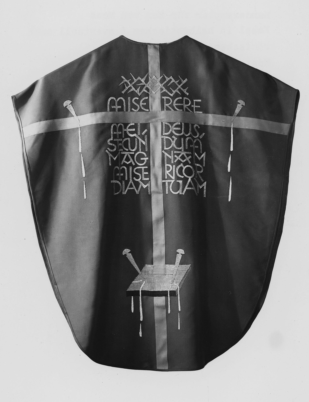 Kasel (Miserere), um 1940, Handstickerei, nach einem Entwurf von Max von Moos